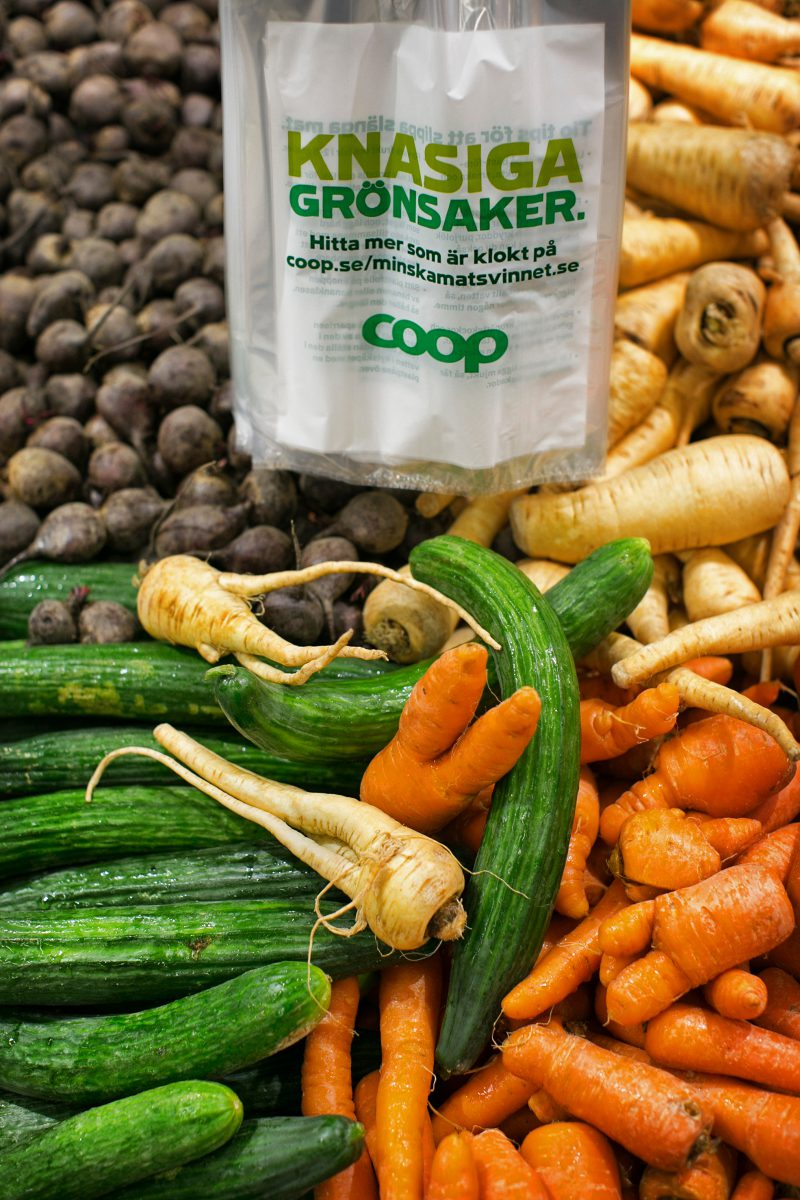 Coops knasiga grönsaker i butik