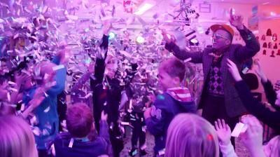 Coops kunder tävlar om århundradets klassfest med Mellovinnaren