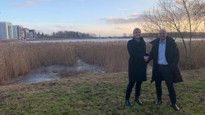 Coop Värmland har tecknat avtal med Riksbyggen om försäljning av mark på Tullholmen i Karlstad