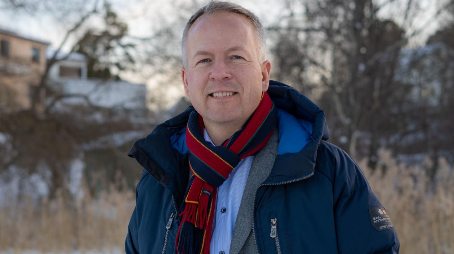 Fredrik Uhrbom ny försäljnings- och marknadsdirektör på Coop Sverige AB
